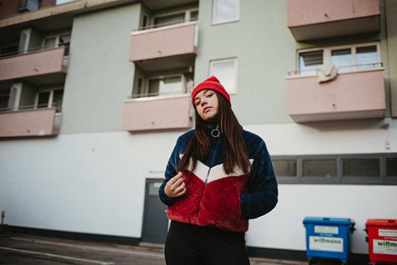 Rote Mütze Raphi & Aylo